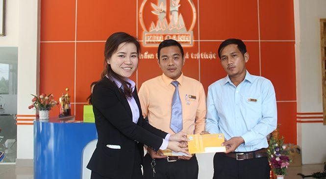 Công ty Kim Oanh group hỗ trợ nhân viên khắc phục thiệt hại sau bão