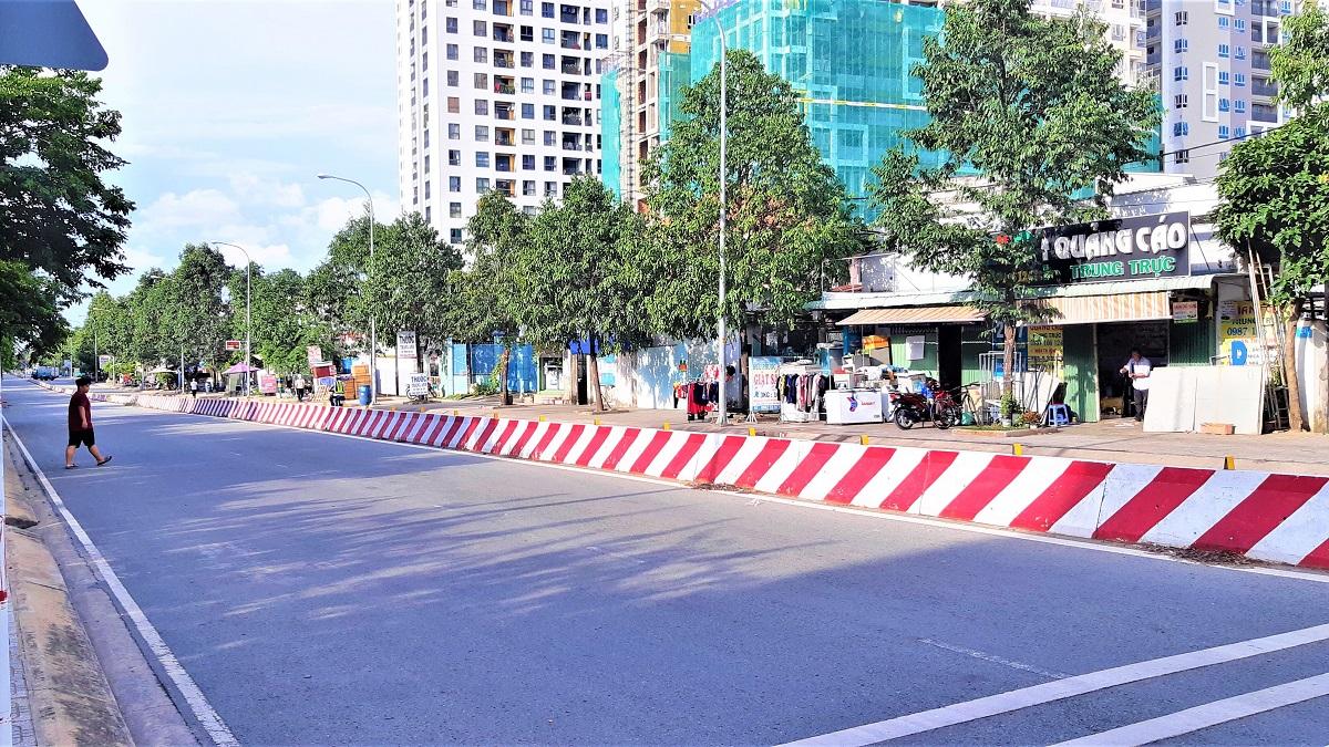the-east-gate-duong-vanh-dai-lang-dai-hoc